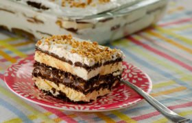 Ice Cream Sandwich Dessert | realmomkitchen.com