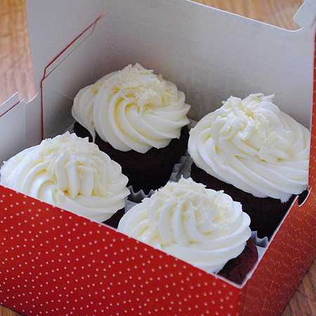picture of red velvet cupcakes in box