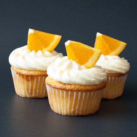 Fresh Orange Cupcakes with Orange Buttercream Frosting | Real Mom ...