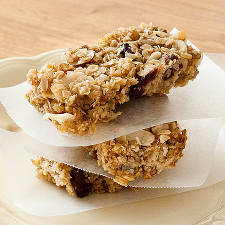 Homemade Chewy Cran-Apple Granola Bars | Real Mom Kitchen
