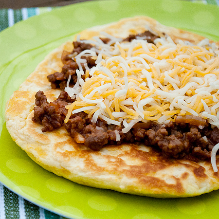 Cheeseburger Flatbread Melts | realmomkitchen.com