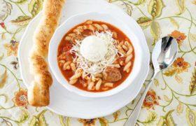 Slow Cooker Lasagna Soup   realmomkitchen.com