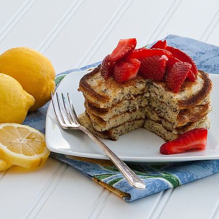 Lemon Poppy Seed Pancakes | realmomkitchen.com