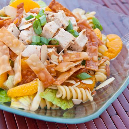 Wonton Chicken Salad | realmomkitchen.com