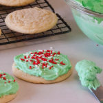 No Roll Frosted Sugfar Cookies | realmomkitchen.com