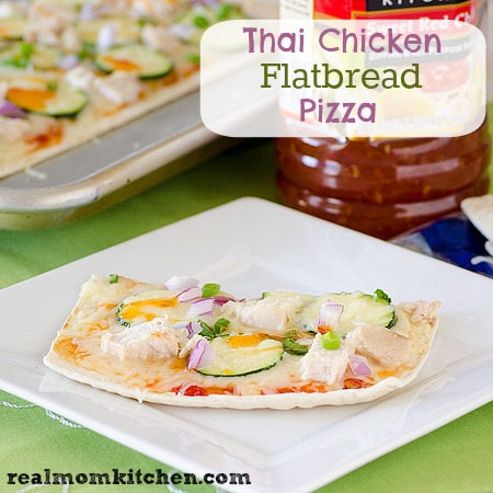 Thai Chicken Flatbread Pizza #FlatoutGood | realmomkitchen.com