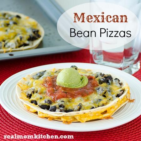Mexican Bean Pizzas l realmomkitchen.com