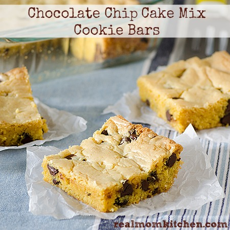 Chocolate Chip Cake Mix Cookie Bars | realmomkitchen.com
