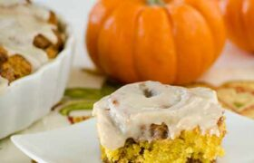 No Yeast Pumpkin Cinnamon Rolls | realmomkitchen.com