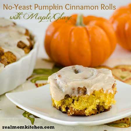 No Yeast Pumpkin Cinnamon Rolls l realmomkitchen.com