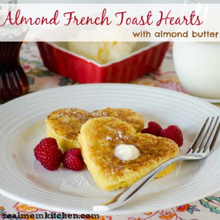 Almond French Toast Hearts | realmomkitchen.com