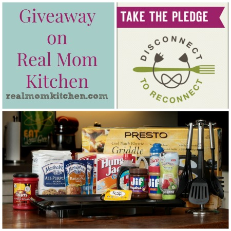 #disconnect2reconnect Power of Family Meals - Disconnect to Reconnect Giveaway | realmomkitchen.com