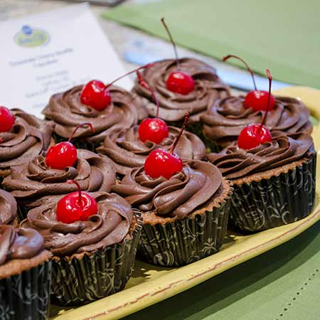 Cherry Chocolate Souffle Cupcakes | realmomkitchen.com