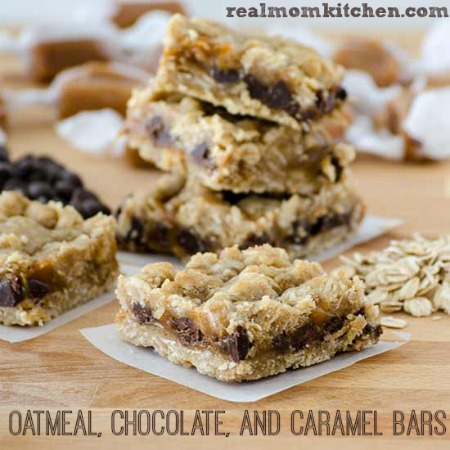 Oatmeal Chocolate and Caramel Bars | realmomkitchen.com