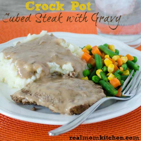 Crock Pot Cubed Steak and Gravy | realmomkitchen.com