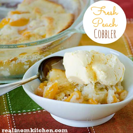 Fresh Peach Cobbler | realmomkitchen.com