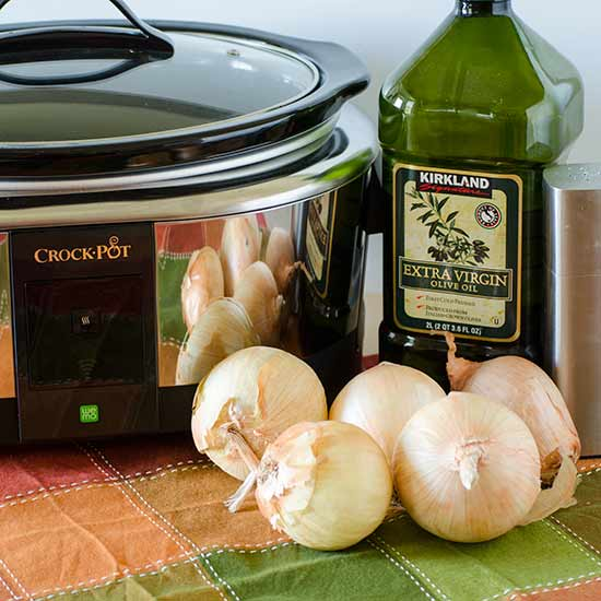 Slow Cooker Caramelized Onions | realmomkitchen.com