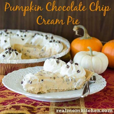 Pumpkin Chocolate Chip Cream Pie | realmomkitchen.com