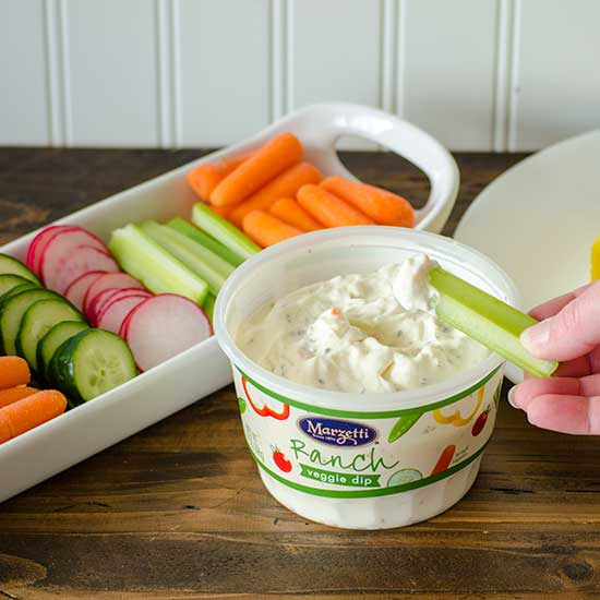 Veggies and Marzetti Ranch Dip | realmomkitchen.com