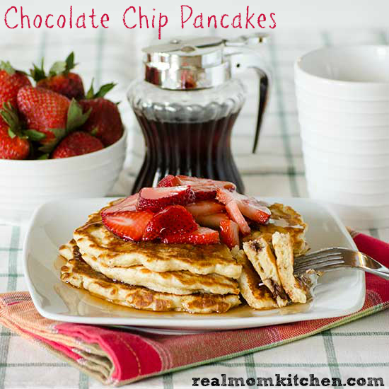 Chocolate Chip Pancakes l| realmomkitchen.com