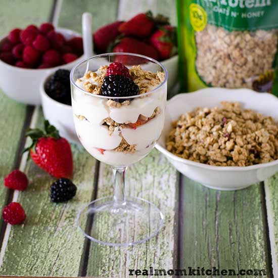 Yogurt Parfait | realmomkitchen.com