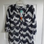COLLECTIVE CONCEPTS Boregard Wavy Chevron Front Pocket Blouse