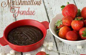 Chocolate Marshmallow Fondue | realmomkitchen.com