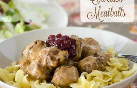 Crock Pot Swedish Meatballs | realmomkitchen.com