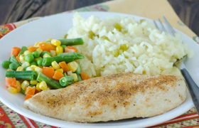 Simple Baked Chicken | realmomkitchen.com