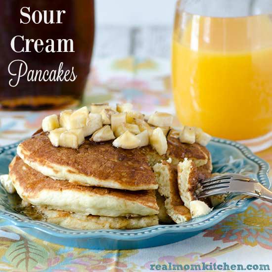 Sour Cream Pancakes | realmomkitchen.com