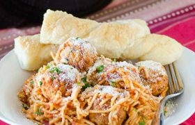Crock Pot Spaghetti and Meatballs | realmomkitchen.com