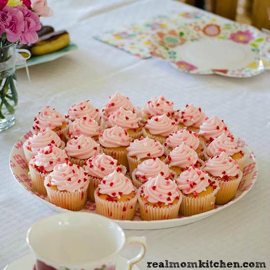 Tea Party Mini Cupcakes | realmomkitchen.com