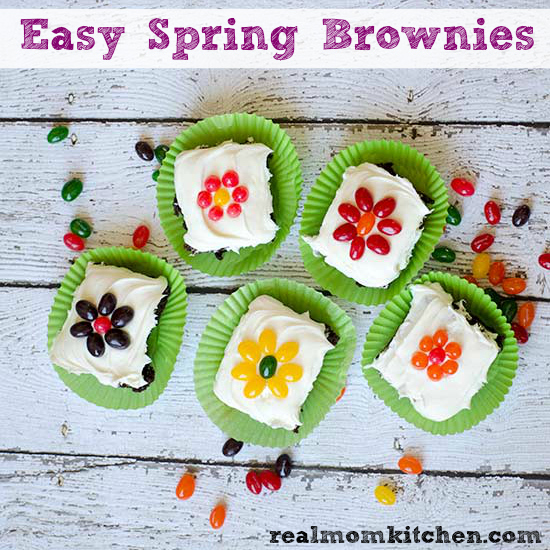 Easy Spring Brownies | realmomkitchen.com