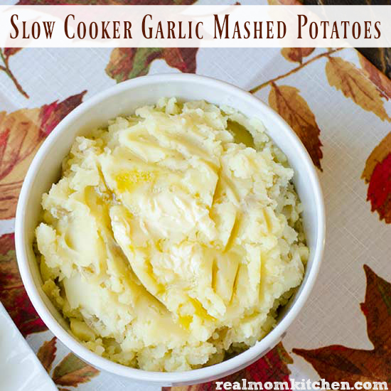 Slow Cooker Garlic Mashed Potatoes | realmomkitchen.com