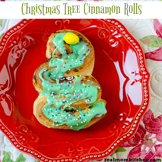 Christmas Tree Cinnamon Rolls | realmomkitchen.com
