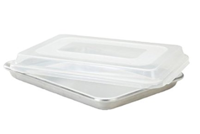 Sheet Pan with Lid | realmomkitchen.com