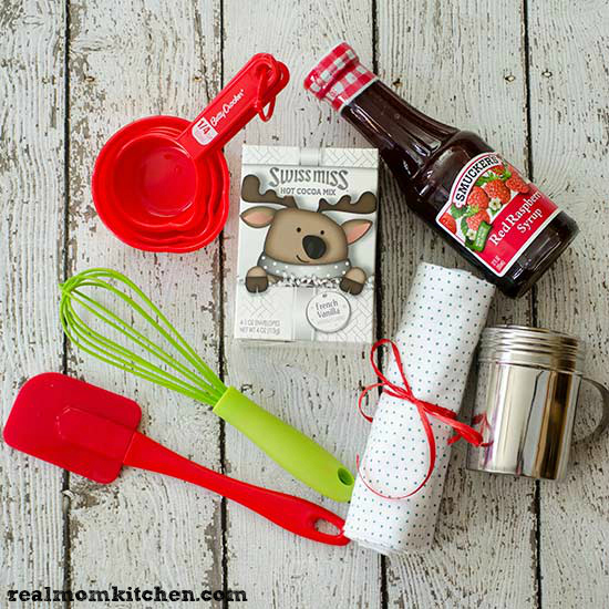 Ingredients for Waffle MIx Gift Set In a Jar | realmomkitchen.com