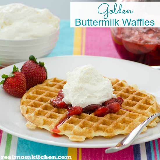 Golden Buttermilk Waffles | realmomkitchen.com