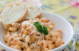 Slow Cooker Italian Chicken Pasta   realmomkitchen.com