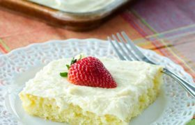 Lemon Sheet Cake | realmomkitchen.com