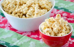 Marshmallow Caramel Popcorn | realmomkitchen.com