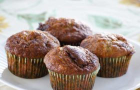 Everyday Banana Muffins | realmomkitchen.com