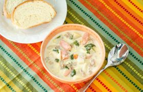 Slow Cooker Spinach Totellini, Potato, and Sausage Soup | realmomkitchen.com