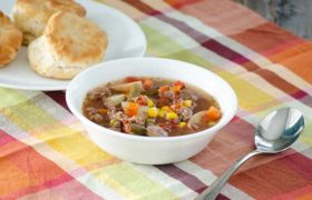 Slow Cooker Vegetable Beef Soup | realmomkitchen.com