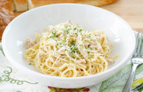 Linguine with Clam Sauce | realmomkitchen.com