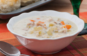 Creamy Turkey and Wild Rice Soup | realmomkitchen.com