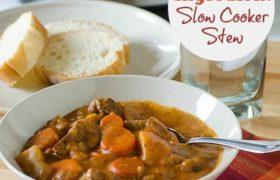 Five Ingredient Slow COoker Stew | realmomkitchen.com