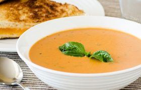 Slow Cooker Tomato Basil Soup   realmomkitchen.com