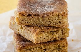 Snickerdoole Blondies | realmomkitchen.com