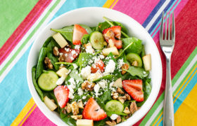 Strawberry Cucumber and Spinach Salad | realmomkitchen.com